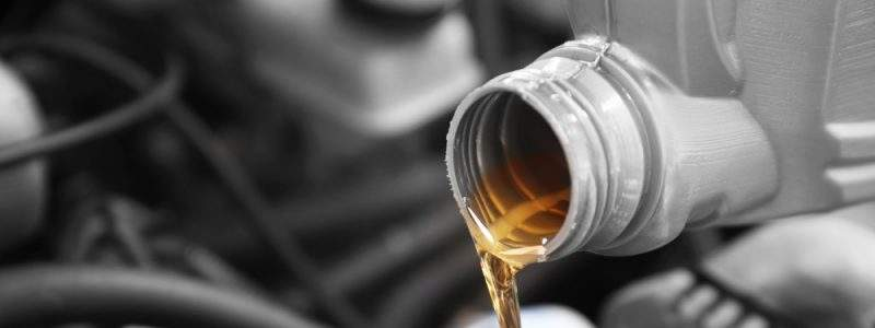 We all know that oil protects our engine, and that we should change it often, but what type do you use in your car?