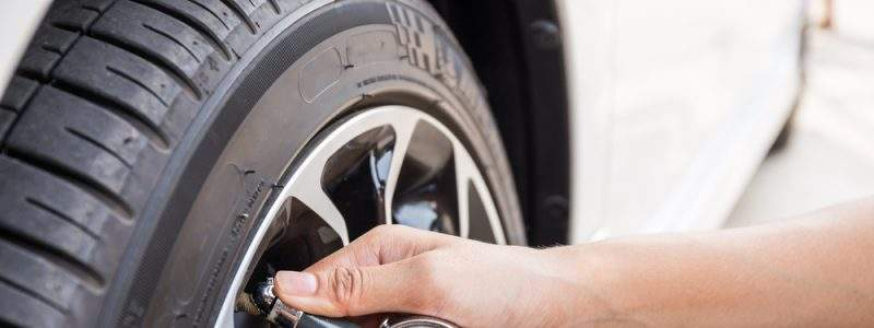 Most car manufacturers and tire companies recommend a pressure between 30 and 35 pounds per square inch (PSI).